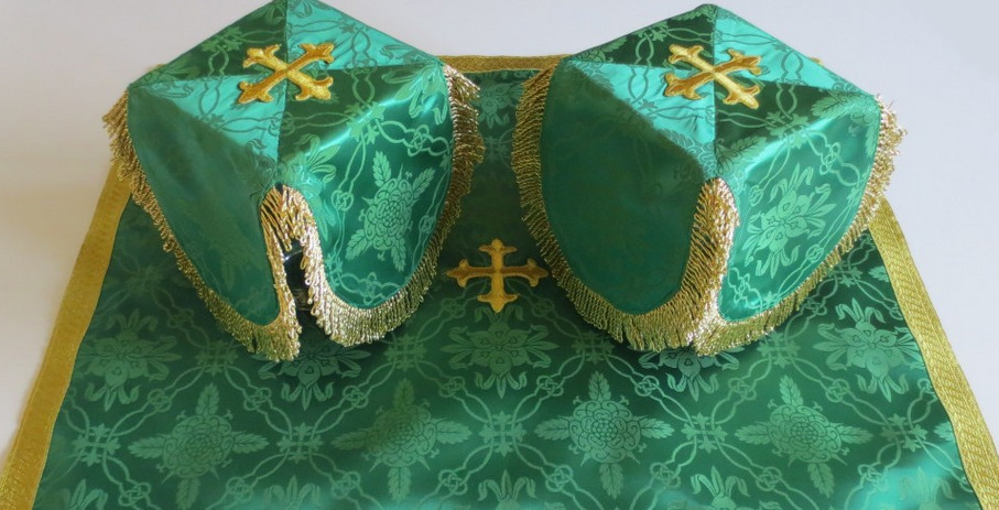 CHALICE COVERS GREEN